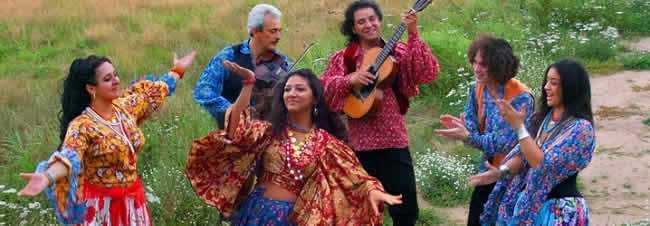 Ciganos-dançando-e-tocando