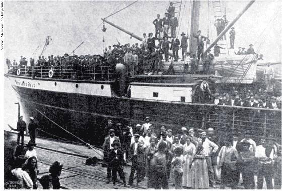 desembarque-de-imigrantes-no-porto-de-santos